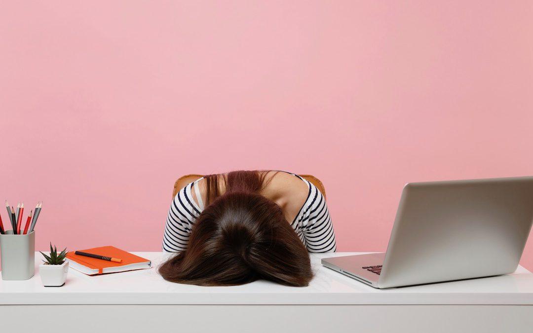 Fünf Fehler beim Schreiben einer über-mich-Seite und wie du sie vermeidest.